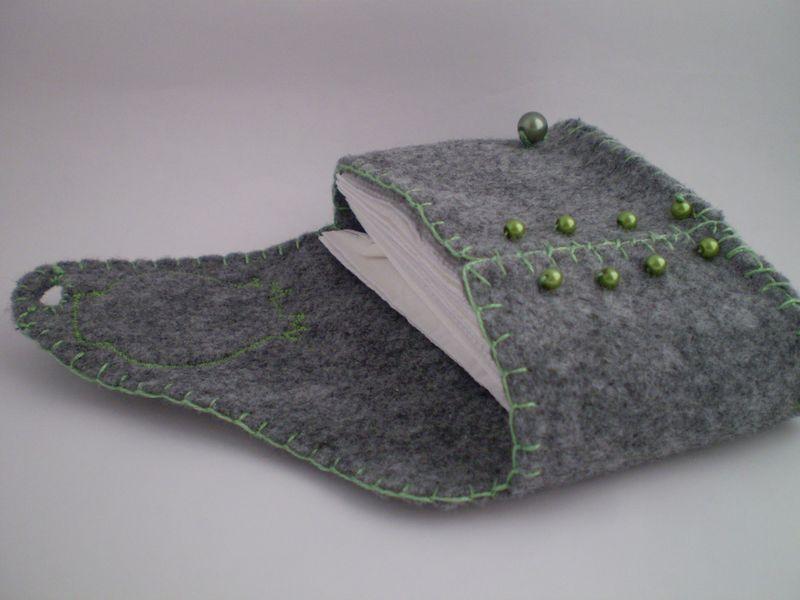 Zsebkendőtartó filcből