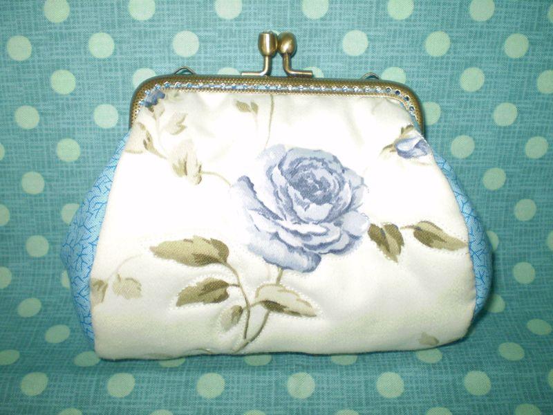 Ég kék rózsás tárca