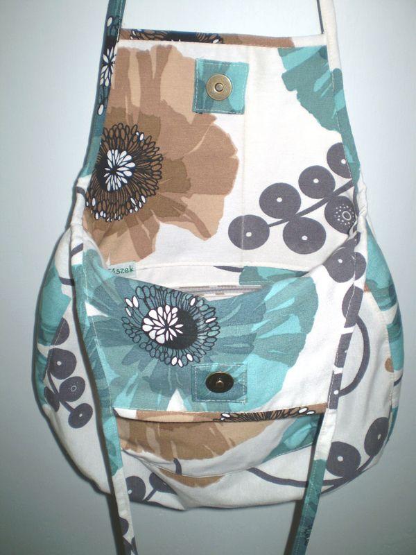 barna türkiz táska belseje