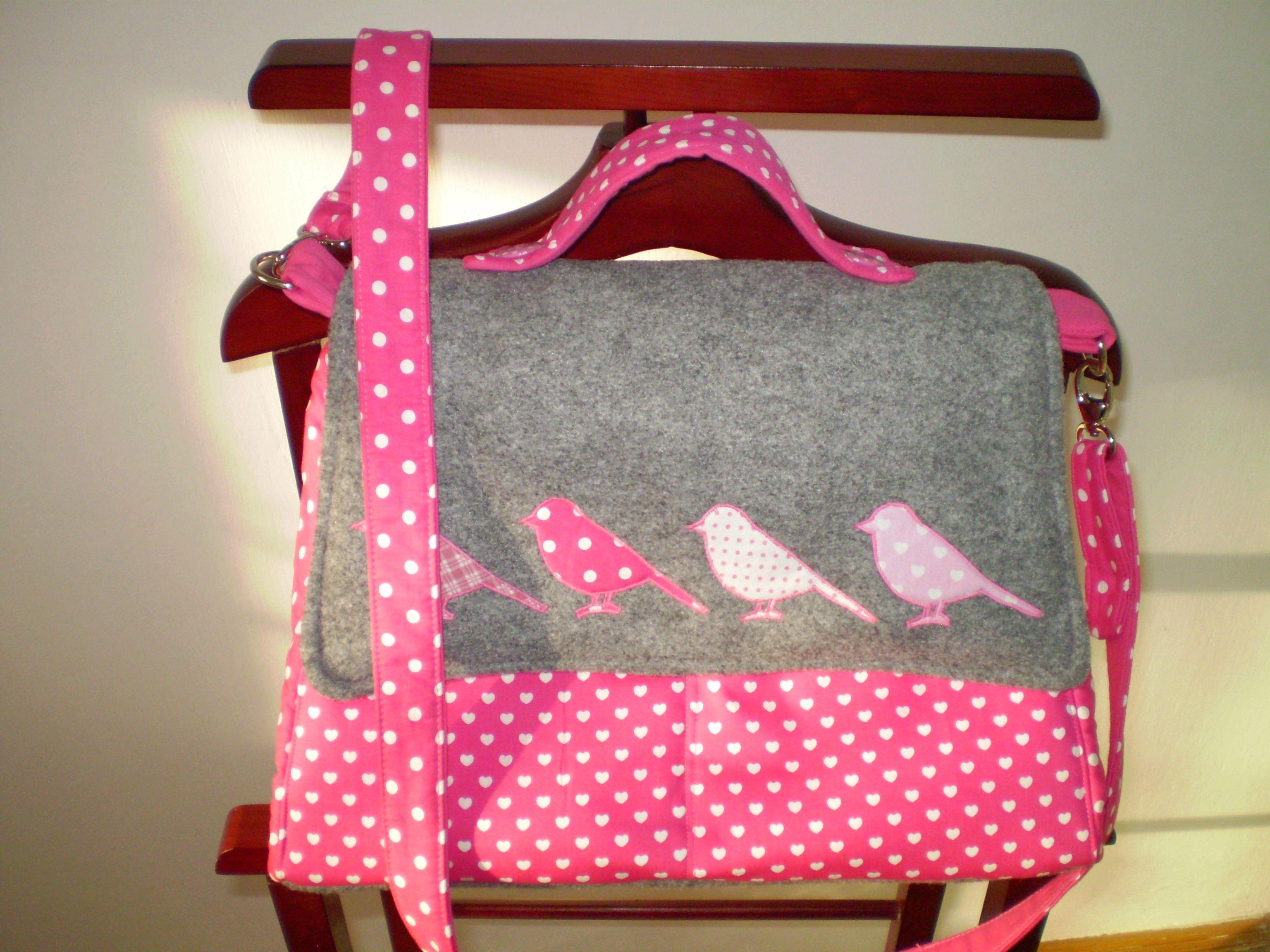 Rózsaszín madaras táska