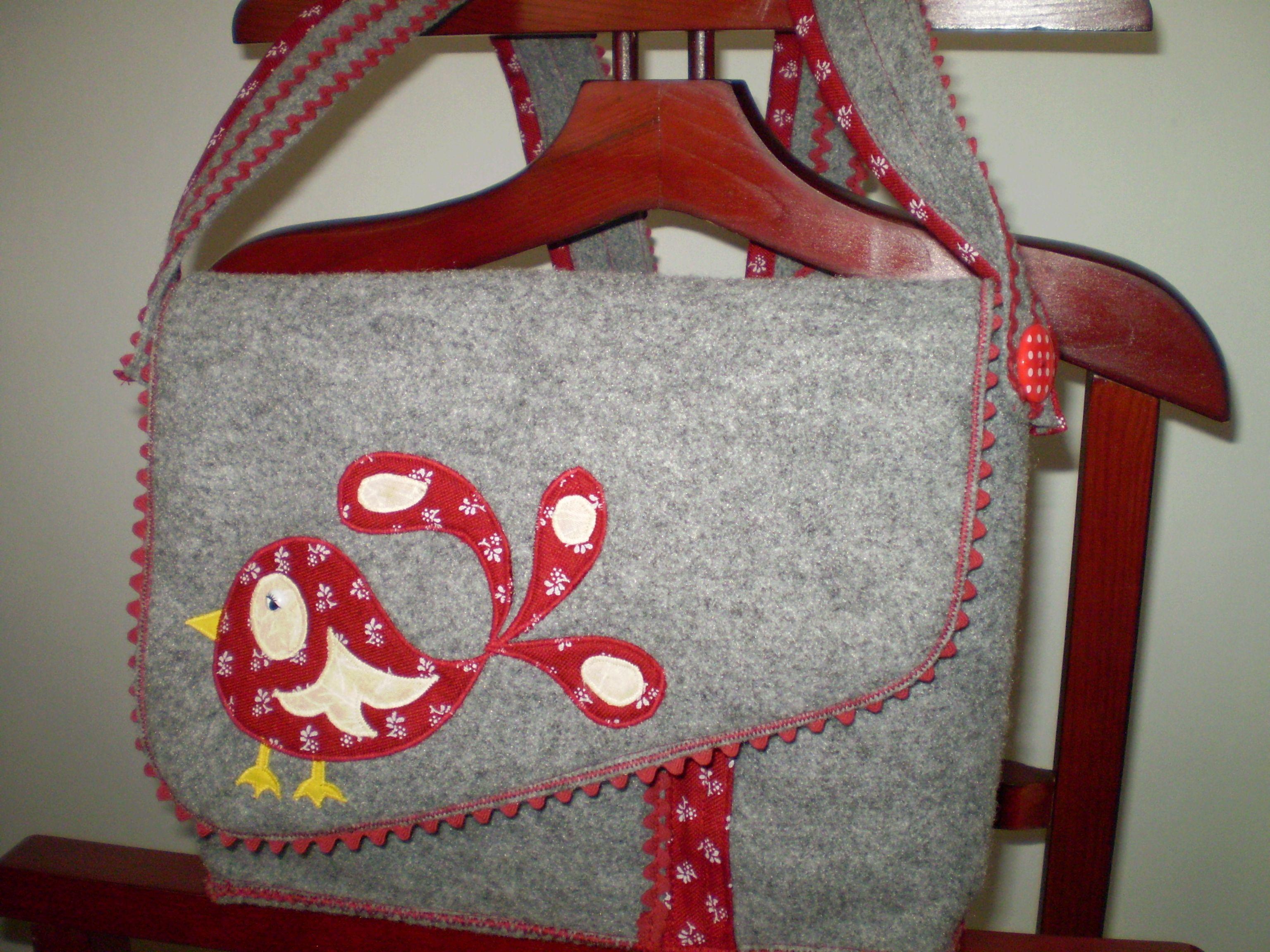 Bordó madárkás táska