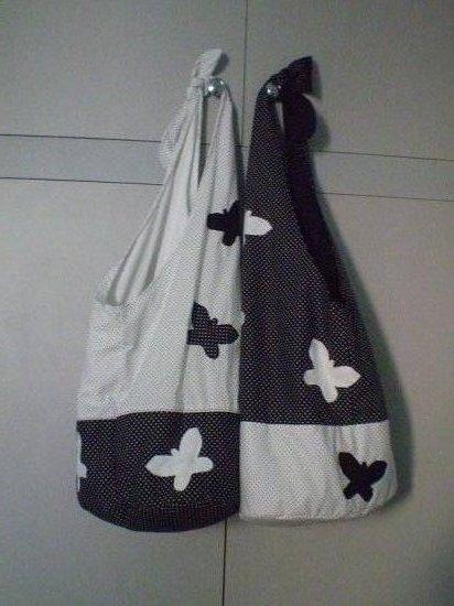 Fekete-fehér pillangós táskák