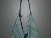 Kék csíkos táska