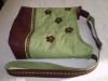 Zöld pöttyös táska